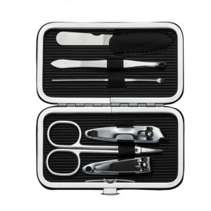 Kit Manicure 6 peças em estojo de couro sintético